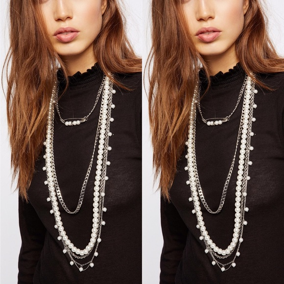 Free People Layered Pearl /& Charm Stones Collar Gold Tone Statement Necklace NWT